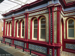 Victorian Waiting Room (Row 17) Tags: england worcestershire worcester architecture victorian railwaystation railwaystations historic design windows window