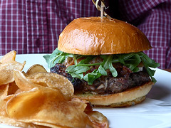 photo - Bacon Brie Burger, Horatio's (Jassy-50) Tags: sanleandro california horatiosrestaurant horatios restaurant food sandwich potatochips chips photo baconbrieburger bacon brie cheese cheeseburger hamburger happyhour
