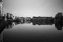 Leith Shore Sunset and Harbour April 2018  (101 of 161) (Philip Gillespie) Tags: sunset sky clouds leith shore harbour water sea river wet reflections buildings architecture mono monochrome black white colour color yellow red orange green purple pink blue urban city town canon 5dsr people men women man woman kids boys girls feet legs heads hands outdoor bridge profile long exposure spider chains birds swan bench scotland edinburgh boats dock night evening lights stars street road hour
