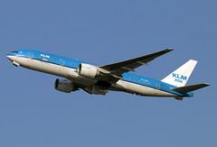 PH-BQI (JBoulin94) Tags: phbqi klm asia royal dutch airlines boeing 777200 washington dulles international airport iad kiad usa virginia va john boulin