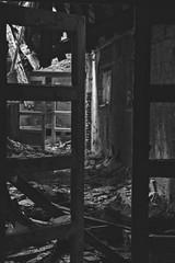 Tür - Door (SchuhSchone) Tags: verlasseneorte lostplaces verlassen leave spuk spook alt old geist geister ruine ruin