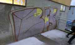 already gone (Lackdosetoleranz) Tags: wien vienna lackdosetoleranz graffiti street 1050 bombing paintedwalls writingonthewall bunt color bfs already buffed blurry