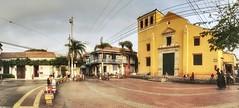 Plaza de la Trinidad (tom.frohnhofer) Tags: townsquare getsemani oldtown southamerica iphone tomfrohnhofer church colombia cartagena plazadelatrinidad