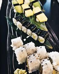 vegan sushi (<lisvgrvce) Tags: vegan sushi food cibo japanese vegano photo photography fotografia riso rice avocado mango fruit