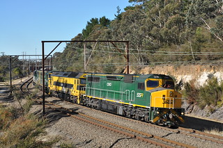 4843 climbs the Main West at Wentworth Falls