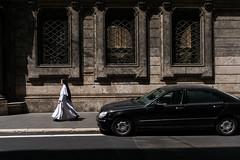 _DSF2259 (Dima7447) Tags: suora streetphotography urbanphotography walking walkingnun nun sister blackandwhite biancoenero roma rome finestre windows baroque car