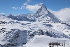 Cervin / Matterhorn (view from the Gornergrat), Zermatt, Valais, Switzerland (sdaengeli) Tags: canon canoneos5dmarkiv suisse switzerland eos5d zermatt valais neige soleil sun snow cervin matterhorn paysage montagne train gornergrat