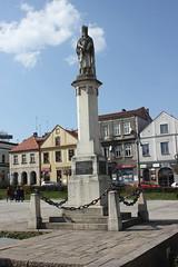 Pomnik Kazimierza Wielkiego (magro_kr) Tags: bochnia polska poland małopolska malopolska małopolskie malopolskie pomnik rzeźba rzezba statua monument sculpture statue