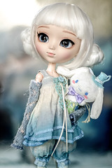 Don't worry, Cinnamoroll (Virvatulia) Tags: pullipcinnamoroll15thanniversaryversion pullipcinnamoroll pullip cinnamoroll cinnamonroll new pullips 2018 release protection thunderstorm scared groovedoll pullipdoll white hair pullipsuomi dollandsensibility outfit