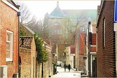 Kapellestraat, Veere, Walcheren, Zeelande, Nederland (claude lina) Tags: claudelina nederland hollande paysbas zeelande zeeland veere église church