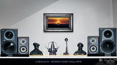 Sonnentanz Chill RMX (LeWelsch Photo) Tags: sonnentanz chill rmx chillout remix klangkarussel lounge loudspeaker mackie hr824 hr824mk1 audioreactive audioreact audiospectrum spectrum visualizer plasterhead metronome lewelsch lewelschphoto