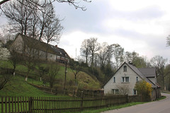 Słupiec district , Nowa Ruda 17.04.2018 (szogun000) Tags: nowaruda poland polska słupiec road street buildings architecture old residental houses slope hill fence wooden backyards trees dolnośląskie dolnyśląsk lowersilesia canon canoneos550d canonefs18135mmf3556is