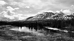 Lake and mountain (Carlos A. Aviles) Tags: cold frio mountain lake lago skagway alaska