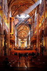 La Santa Pasqua nel Duomo di Parma (Fabio Furlotti) Tags: architettura art cathedral chiesa correggio duomo parma pasqua religion arcs church easter foveon frescoes paintings people rays sun emiliaromagna italia it