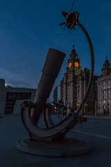 Liver Building seen through Heaven and Earth, Pier Head, Liverpool (paullee66416) Tags: dusk handheld telescope liver bird