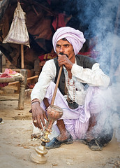 rajasthan - india 2018 (mauriziopeddis) Tags: india rajasthan jodhpur people person tribe culture cultural portrait ritratto reportage canon smoke