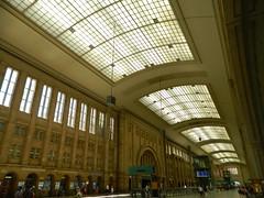 160624 LeipzigConcourse (268) (Transrail) Tags: station railway train concourse platform leipzighbf leipzig deutschebahn roof arch stone gallery