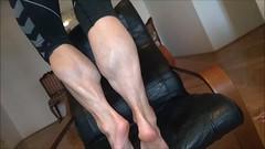 vlcsnap-2018-04-05-13h10m16s166 (ARDENT PHOTOGRAPHER) Tags: muscularcalves flexing muscularwoman sexylegs