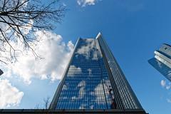 Frankfurt am Main (Rolf Majewski) Tags: frankfurt frankfurtammain stadt city architektur hochhäuser wolkenkratzer fenster gebäude spiegelung