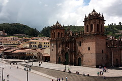 Cusco (mbphillips) Tags: cathedralbasilicaofourladyoftheassumption mbphillips sigma1835mmf18dchsm canon450d 秘魯 南美洲 페루 남아메리카 ペルー 南アメリカ sudamérica américadelsur perú 秘鲁 southamerica geotagged photojournalism photojournalist cusco 쿠스코 库斯科 庫斯科 cuscocathedral unesco catedralbasílicadelavirgendelaasunción catedraldelcuzco travel pérou peru