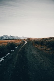 dirt roads that lead to hot springs