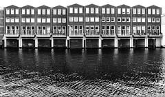 Parking (106/365) (Walimai.photo) Tags: black white blanco negro parking boat barco amsterdam holanda nederlands panasonic lx5 lumix canar channel house casa