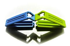 "Blue and green ... (Kat-i) Tags: macromondays ""plastic"" blau grün blue green makro weis white schatten shadow nikon1v1 haushalt küche kitchen kati korsika april monday23"