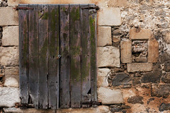 Porta i Finestra (rossendgricasas) Tags: windows doors puertas ventanas colorimage catalonia streetphotography streetart photoday photoshop photographer nikon tamron