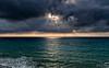 2017-07a-F3659 copia (Fotgrafo-robby25) Tags: alicante costablanca fujifilmxt2 marmediterráneo nubes rayosdesol