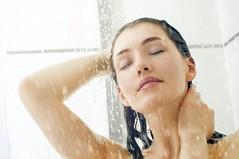 Banho saudável existe e você pode tomar todos os dias. (raisdata) Tags: banho banhofrio banhosaudável bigdata rais raisdata saudável saúde temmuitosbenefícios