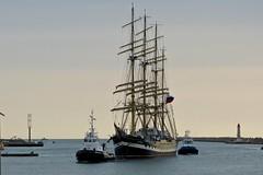 Grand voilier : Port de Sète (Occitanie -Sud de France). (Loup-Blanc) Tags: voilier bateaurusse grandvoilier sète suddefrance port
