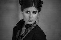Quisiera darte todo ..... (fehlfarben_bine) Tags: portrait woman eyecontact closeup monochrome gaze expression naturallight berlin nikondf nikon850mmf14