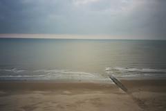 Middelkerke (michel nguie) Tags: middelkerke belgium sea beach sky clouds film analog michelnguie horizon water sand waves merdunord plage manche sable