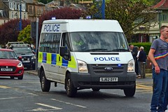 (Zak355) Tags: rothesay isleofbute bute rothsay scotland scottish butepride pride parade lgbt people flags rainbow polis police policescotland fordtransit minibus sj62dyy