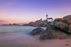 Quiet Place (alize_28) Tags: phare lighthouse plage beach ocean sea sky leverdesoleil sunrise couleurs colors landscape nature paradis paradise nikon longueexposition longexposure pontusval brignogan finistère bretagne france
