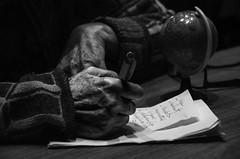 Foto-Arô Ribeiro-9507 (Arô Ribeiro) Tags: pho blackwhitephotos photography laphotographie pb pretoebranco bnw bw blackandwhite blackandwhiteportrait nikond40x nikond7000 thebestofnikon nikon arte teatro theatre théâtre teatrodeobjetos gruposobrevento arôribeirofotógrafo fineart