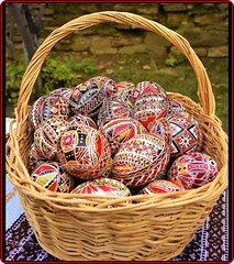 Easter painted eggs from the Romanian villages (6) (Ioan BACIVAROV Photography) Tags: easter paintedeggs romanian villages happyeaster pastefericit eggs art tradition