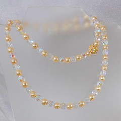 Vintage Joan Rivers Swarovski Austrian Crystal Champagne Pearl Necklace. Rhinestone Pearl Necklace.  Austrian Crystal Necklace. (waalaa) Tags: etsy vintage antiques shopping jewelry jewellery gifts wedding