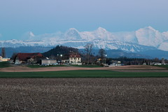 Berner Dreigestirn Eiger ( BE - 3`970m ) - Mönch ( BE-VS - 4`107m ) - Jungfrau ( BE-VS - 4`158m ) mit Jungfraujoch dazwischen ( Berg montagne montagna mountain ) in den Berner Alpen - Alps im Berner Oberland im Kanton Bern und Wallis - Valais der Schweiz (chrchr_75) Tags: christoph hurni chriguhurni chriguhurnibluemailch chrchr april 2018 chrchr75 schweiz suisse switzerland svizzera suissa swiss