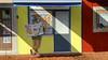 UDINE. LA LETTURA MATTUTINA. (FRANCO600D) Tags: murale dipinto pittura muro disegno caffi ud udine messaggeroveneto edicola lettore giornale luce colore fvg friuli friuliveneziagiulia smartphone samsung note4 franco600d