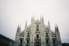 Milan (cranjam) Tags: ricoh gr1 gr1v film kodak portra160 italy italia milan milano duomo duomodimilano cathedral church chiesa piazzadelduomo cathedralsquare architecture architettura