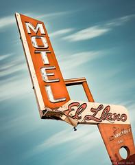 El Llano Motel (Shakes The Clown) Tags: 500px california canon5dmarkii flickr font hwy101 illumination lights marcshur midcenturymodern motel neon nocal northerncalifornia old retro salinas signgeeks signlanguage signage signs smugmug typography vacancy vintage marcshurphotographycom