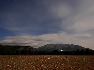 Buscando estrellas entre nubes