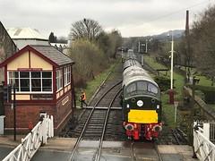 D213 Ramsbottom 13/4/18 (Flikrman Gaz) Tags: class40 andania brgreen eastlancashirerailway englishelectric