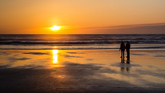 First Sunset of Spring 2018 (LadyBMerritt) Tags: sunset sun ocean people couple water cannonbeach oregon silhouette