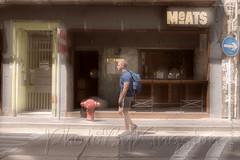 X02T4241 (kingston Tam) Tags: street life human streetscenes city photojournalism streetphotography people door gate walk walker pedestrian fujifilmxt1 soho bar