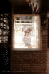 X02T4233 (kingston Tam) Tags: street life human streetscenes city photojournalism streetphotography people door gate walk walker pedestrian fujifilmxt1 soho bar