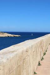 Solitary (Diskomuschel) Tags: malta valletta european capital culture 2018