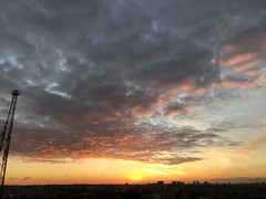 Sunset over my town, São Caetano do Sul, SP, Brazil. (eROV65) Tags: scs sunset fall poente sp sun sol brasil aoarlivre brazil sãocaetanodosul town cidade hometown grandeabc sanca sãopaulo abc pôrdosol untergehende couchant poniente west laranja amarelo orange yellow ocaso outono