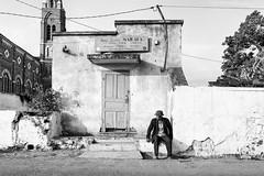 Un homme pressé (Stephane Rio 56) Tags: ambalavao rue paysage madagascar nb afrique africa bw landscape mdg mg street fianarantsoaprovince flickrunitedaward